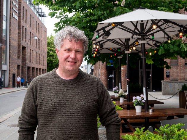 Gründer Erlend Øverby mener kommunen må ta en mer aktiv rolle i å hjelpe oppstartsbedrifter.