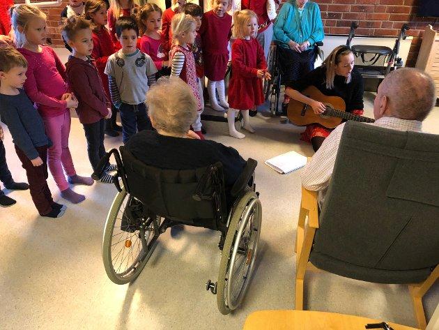 Doremi-barna synger for de eldre