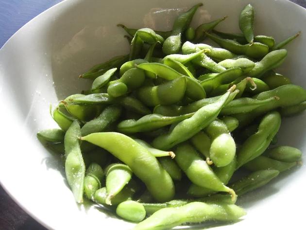 Soyabønner importeres i hovedsak til dyrefôr. Dersom vi spiste dem selv kunne vi mettet ti ganger så mange mennesker.