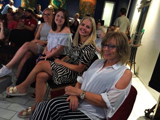 BLODFANS: - Så klart vi stiller på historiens første Kongsimpro, sa Torill Luijbregts, hun, Mari Søby Østlid og Helena Jensby kan notere seg for at Kongsfesten 2018 offisielt er i gang.