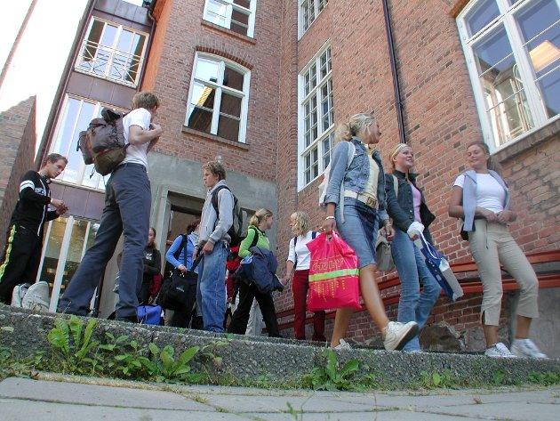 FOREBYGGENDE: Elever ved videregående skoler skal ha økt tilgang til helserådgivere, skriver Anne-Marte Kolbjørnshus.