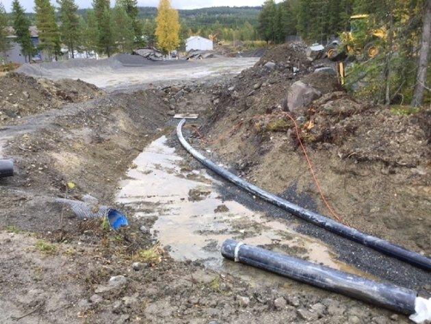 SVIMLENDE: 280 milliarder kroner vil det koste å oppgradere vann- og kloakkledninger i våre kommuner. Lokalpolitikerne må kreve inn økte avgifter hvert eneste år framover, mener direktør i Norsk Vann, Toril Hofshagen.