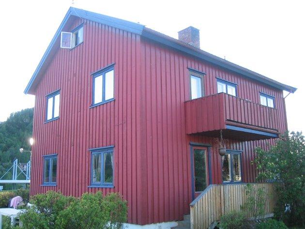 50-TALLSHUS: Huset på Vingnes er bygget i 1952 og bar preg av det helt til ekteparet Marte og Tor Harby Jensbakken tok tak i verktøyet og totalrenoverte hele huset.