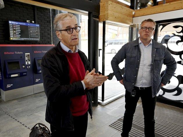OPPRYKK?: Ordfører og nestleder i Innlandet Ap, Rune Støstad t.v., er en av kandidatene til Aps tre på toppliste i Oppland. En andreplass på lista vil gjøre ham til kollega med Jonas G. Støre.