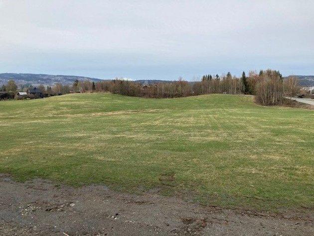 På denne tomta vil Lillehammer kommunale boligstiftelse bygge spesialtilpassede boliger
