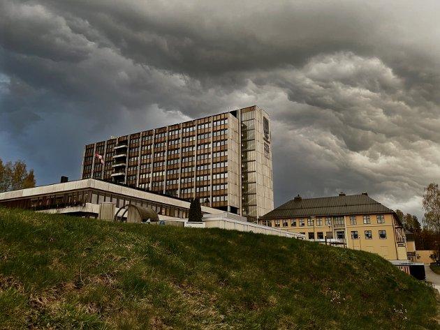 SYKEHUS: Bekymringene øker, både for de ansatte, ledelsen og styret i Sykehuset Innlandet.