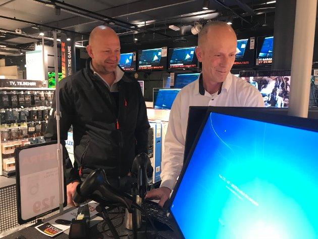 GODE KJØP: Kjell Vidar Aaserud er på flyttefot og sikret seg både fryseskap, TV-abonnement og TV. – Jeg skal flytte så dette passet bra for meg, sier han.