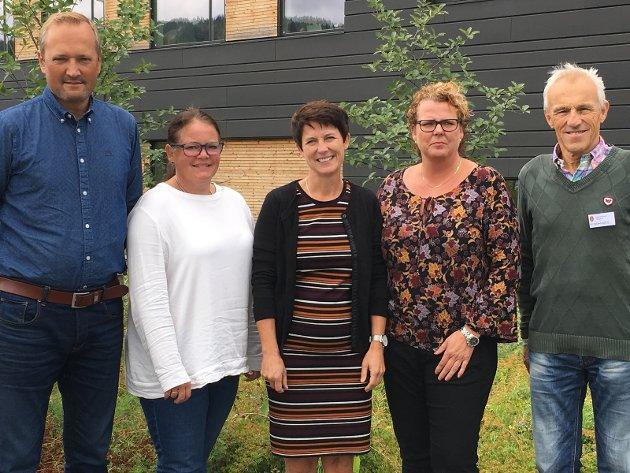 Rovviltnemnda i Oppland, frå venstre: Ivar Vistekleiven (nestleiar), Kari Anne Jønnes, Aud Hove (leiar), Mariann Isumhaugen og Trygve Brandrud.