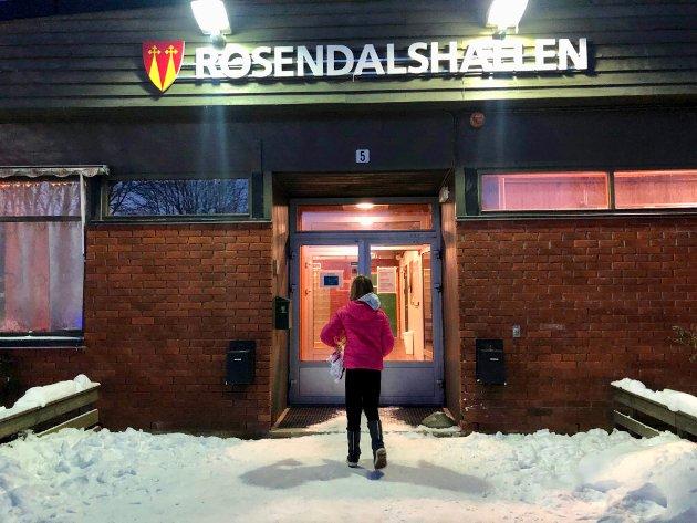 IDRETTSHALLEN: Fra Gran idrettshall til Rosendalshallen – til Brandbu idrettshall.