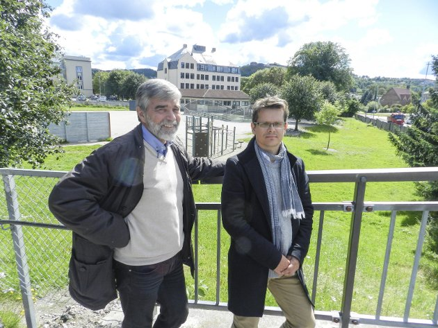 TILDELT OPPDRAGET: Jon Tore Grimsrud (t.v.) og Jon Rongen ved SG Arkitekter. Foto: STEINAR Omar Østli