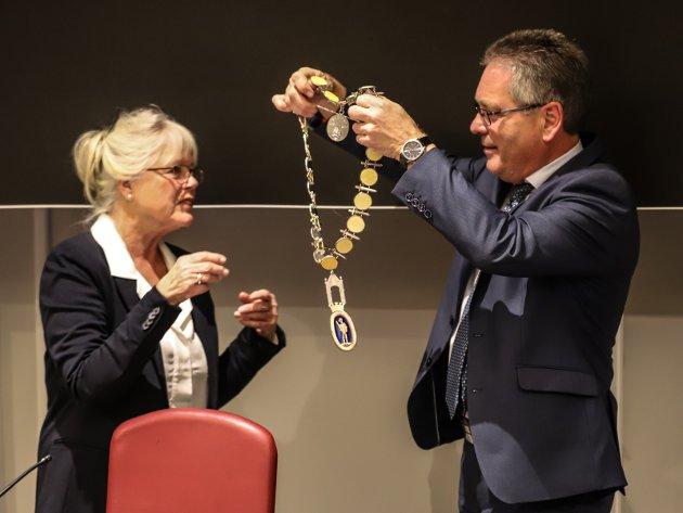 Skifte: Den forrige ordføreren Thor Edquist levner sin etterkommer Anne-Kari Holm liten ære.