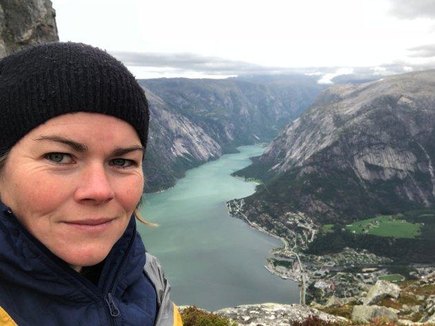 Eg treng ikkje å ha internett og full dekning når eg er på Hardangervidda men dersom eg veit eg skal til ein plass der det er telefonsignal så forventar eg at dette er i orden, skriv Bergljot Maria Veivåg Hauso.