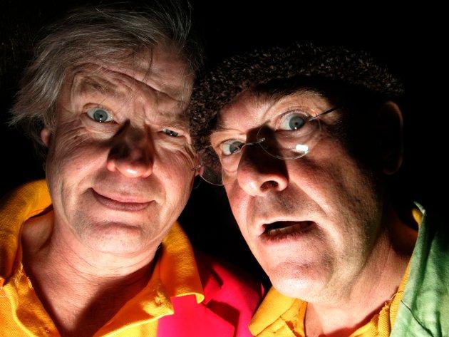 """Herodes Falsk (t.h.) og Tom Mathisen da de gjorde seg klar til norgesturné i 2007. Turneringen er sammenfallende med utgivelsen av dobbelt-CDen """"De beste"""" med nær 60 av deres verbale og musikalske krumspring, inkludert ni rariteter. Foto: Bjørn Sigurdsøn / SCANPIX ."""