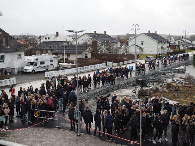SYKLET OG GIKK: Totalt rundt 700 elever fra  Ådland skole, Sevland skole, Grindhaug skole, Åkra skole og Åkra ungdomsskole besøkte Åkrahallen tirsdag.