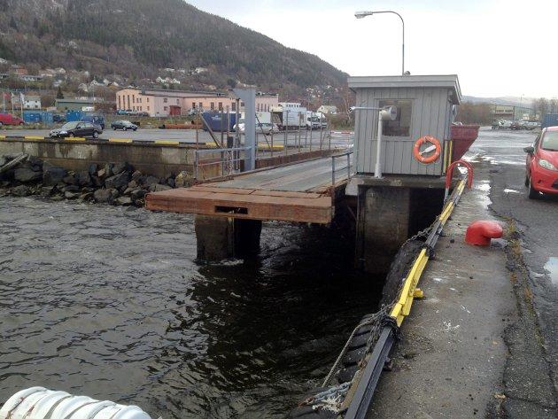Fire og et halvt år etter at dette bildet ble tatt er det fremdeles ikke gjort noe med ferjeleiet i Mosjøen.