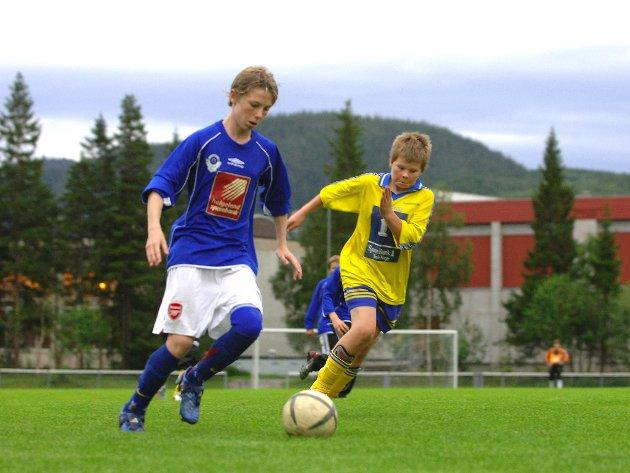 2005: Småguttekamp mellom Mosjøen 2 og Sandnessjøen 4 og Thomas Drage scoret fem av målene i kampen som endte 9-0 til MIL.