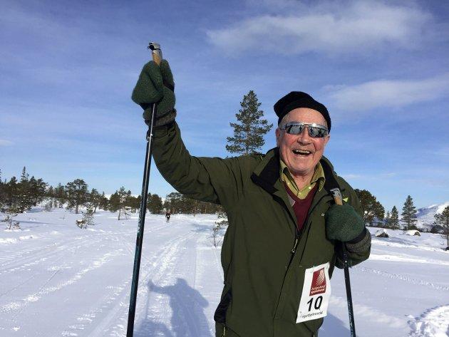 Ole Storåker har gått samtlige 48 Hjartfjellrenn. Det er det vel verdt å glise for.