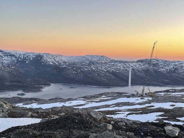 Øyfjellet Wind. Det er stor aktivitet i utbyggingen av vindkraftanlegget.