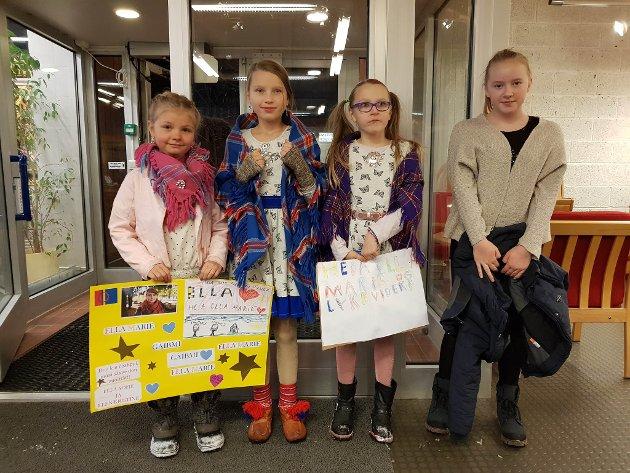Ella Sofie, Martha Elise, Ellen Kristine og Annie har skrevet plakater og heier selvsagt på Ella Marie !