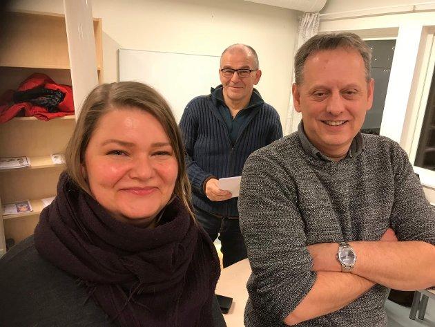 Ove Brun Mathisen, Hammerfest SV sin ordførerkandidat til høyre i bilde. Nr tre på lista; Elisabeth Rønningen til venstre.