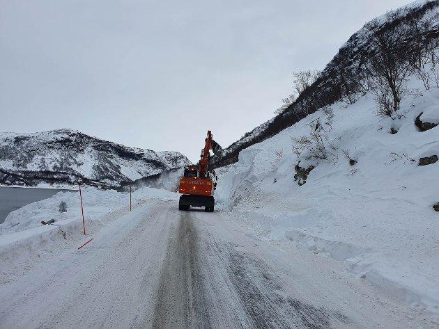Skredet som gikk over fv. 8830 på lørdag 20. februar ble åpnet igjen torsdag 25. februar.
