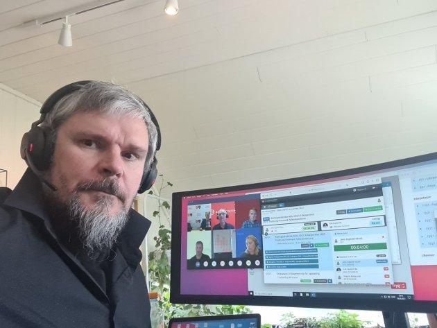 UFORSTÅELIG: Magne Ek i Nordkalottfolket kan ikke skjønne hvorfor posisjonspartiene på fylkestinget ikke vil la befolkningen si hva de mener i saken om å dele storfylket.