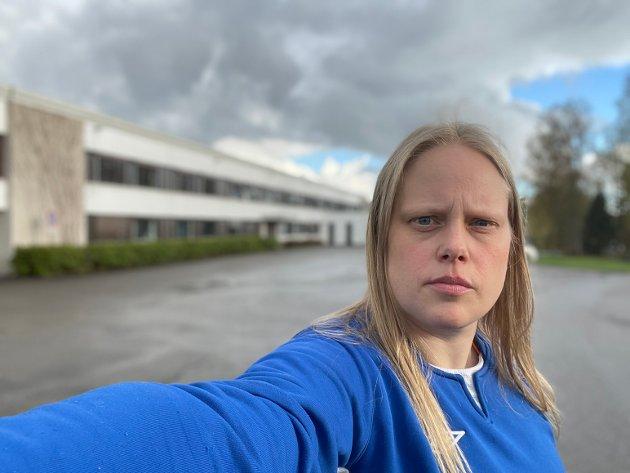 Nyhetsleder Anita Jacobsen i Indre Akershus Blad ønsker et dreiningsprosjekt i eldreomsorgen i Aurskog-Høland velkommen.