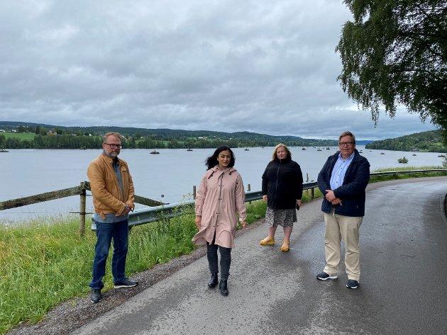 Storfint besøk: Jørgen Kirsebom (t.v.), Heidi Westbye Nyhus og Sverre Myrli tok varmt imot Aps nestleder Hadia Tajik.