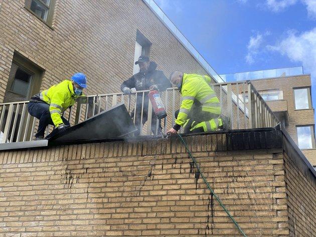 Branntilløp: En del røyk, men heldigvis lite brann. Sentrum holder pusten når det brenner i byen. Foto: Pål Nordby