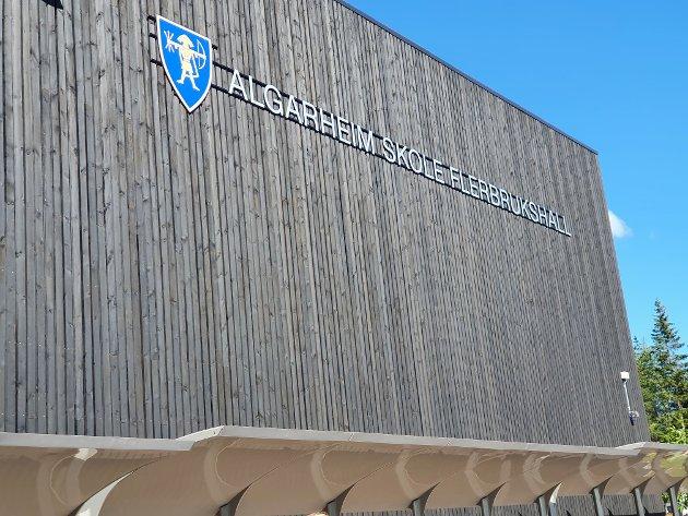NY: Algarheim skole flerbrukshall.
