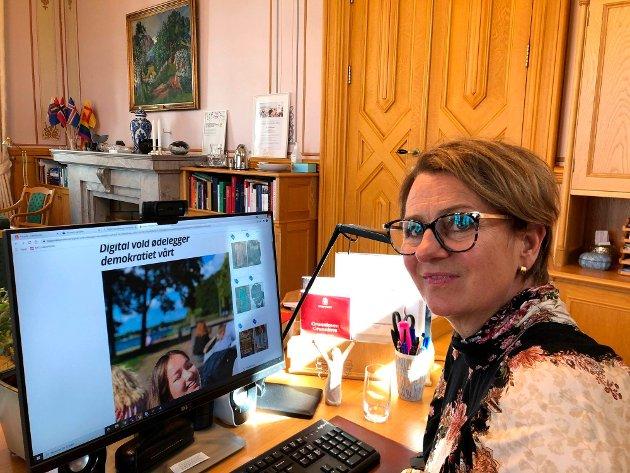 Stortingspresident Tone Wilhelmsen Trøen roser Vanessa Lofsberg (17) for å ta opp et viktig tema i sitt leserbrev i helgen.