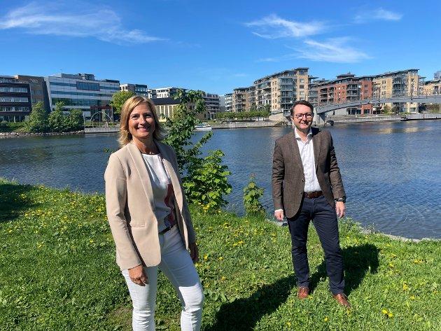 Jorunn Ekornåsvåg, regiondirektør i Manpower Sør-Øst og Anders Stensrud Larsen, konserndirektør i Adecco Sør