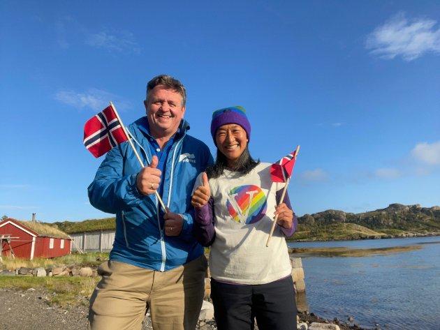 Eivind Holst (H) og Cathrine Mortensen (V) feirer bevilgning til Skrei sentret