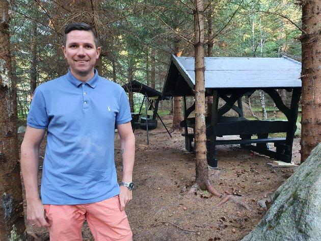 "Michael Pettersen i Stamsund, her etter en dugnadsinnsats i ""Jungelen""."