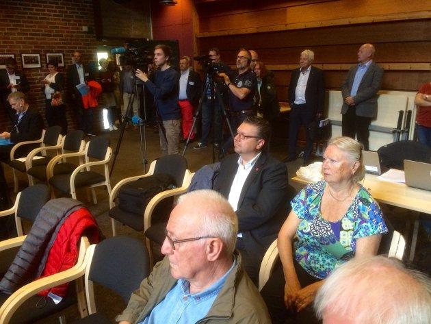 Ulf og Liv Leirstein (Frp) var til stede og hørte på framlegget om kommunereformen.