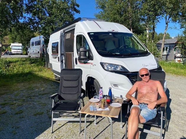 BOBILDEBUT: Skribenten debuterte som bobil-turist i sommer, og oppdaget norsk ferieliv på en ny måte.