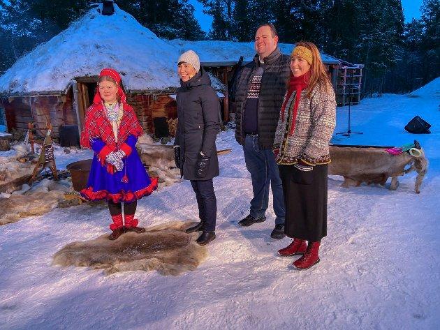 Nordområdemeldingen ble lagt frem på et arrangement i Alta. På bildet: Sunna Svendsen, Trine Lyrek og og Aleksander Johansen sammen med utenriksminister Ine Eriksen Søreide.