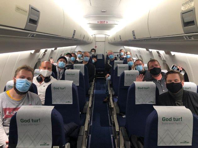 Korona-frilansere på tur fra Mo i Rana til Bodø høsten 2020. Alle passasjerer er musikere.