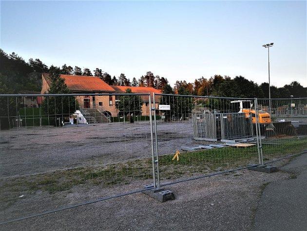 Opparbeidelse av ny kunstgressbane på Lusetjern