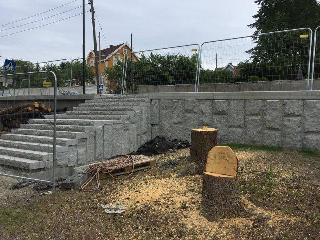 NY TRAPP: Det er laget en ny trapp fra kirkegården opp mot Ekebergveien ved utkjørselen til menighetshuset/kirken.