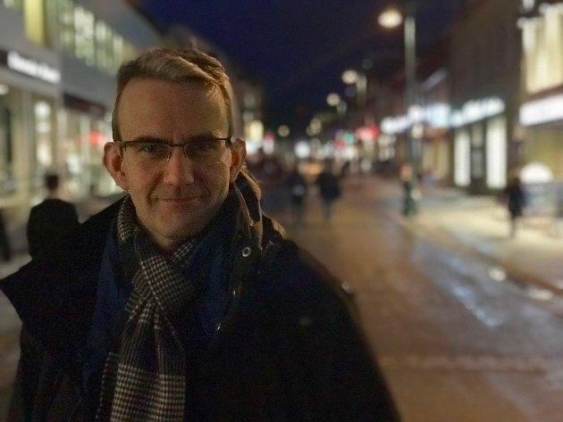Endre Lund Eriksen har skrevet en spennende ungdomsroman, mener Nordlys' anmelder.