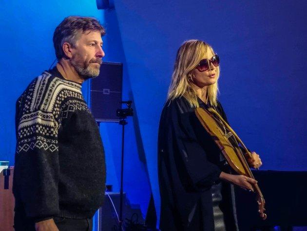 UNIKT: Nicolay Lange-Nielsen og Juliana Venter gir publikum en helt spesiell opplevelse i Ishavskatedralen.