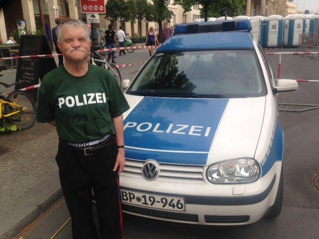 Svein Enger nyter Berlins severdigheter