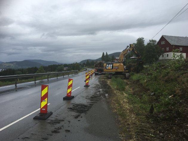 U- TDATERT: Å legge ny asfalt på en ødelagt veikonstruksjon er som male en råtten trevegg, skriver Bengt Fasteraune (Sp).