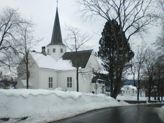 15. VERNEVERDIG: I Vardal kalles Vardal kirke oftest Haugskjerkja, ettersom den ligger ved garden Haug. Kirken ble bygget etter at den forrige kirken fra 1721 brant ned 9. juni 1801. Den er fra 1803.