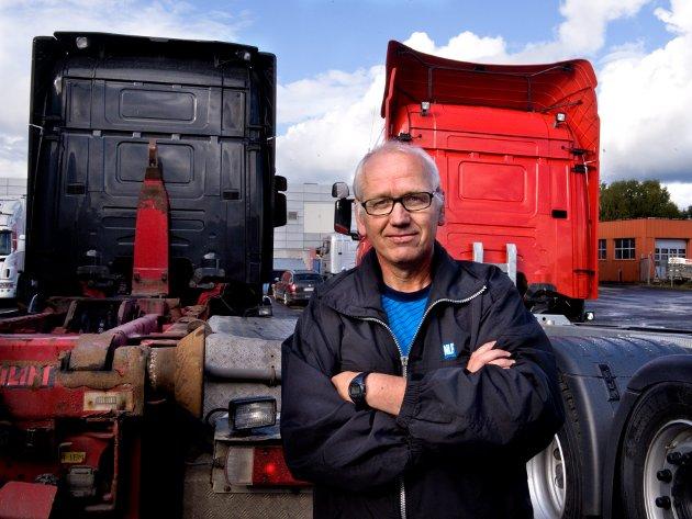 ULYKKER: Regionsjef i Norges Lastebileier-Forbund Innlandet, Guttorm Tysnes regarerer på framstillingen av en ny analyse av ulykker på norske veier.