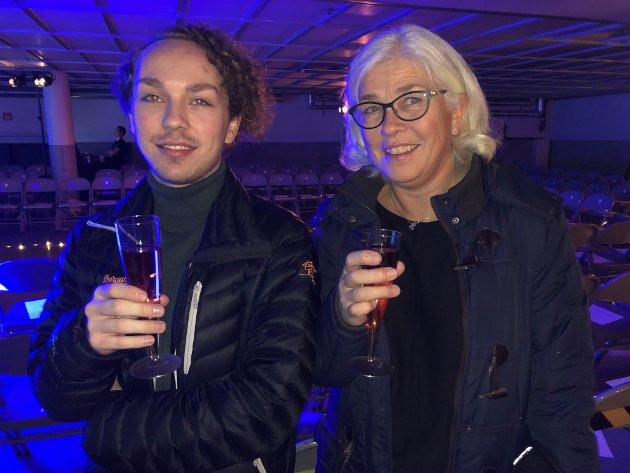PÅ MOTESHOW: Jonas Borge Lysengen og Hild Kristin Borge.