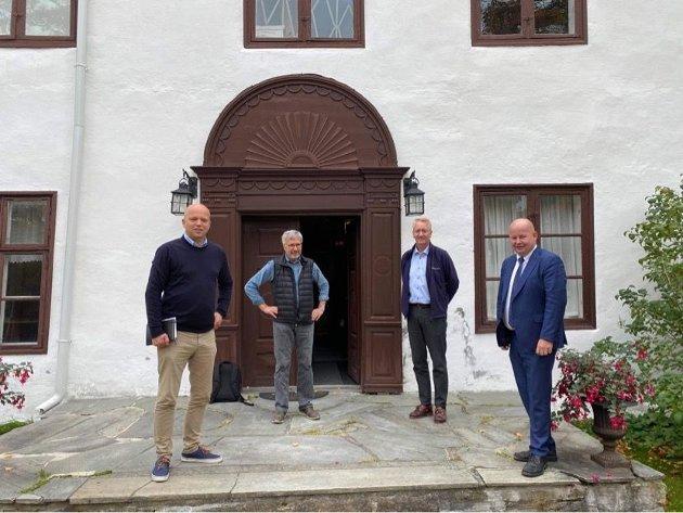 NY SATSING: Disse vil jobbe for et nasjonalt, årlig Castberg-seminar på Gjøvik. Fra venstre Trygve Slagsvold Vedum , Jens Olai Jenssen, Arne Julsrud Berg og Torvild Sveen.