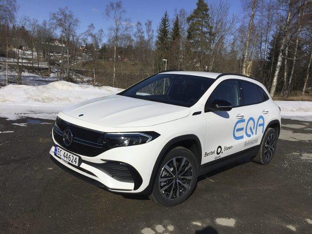 SOM EN SKRUMPET EQC: Designerne i Stuttgart har ikke tatt frem den store kreativiteten da de tegnet den nye Mercedes-elbilen EQA.FOTO: ØYVIN SØRAA