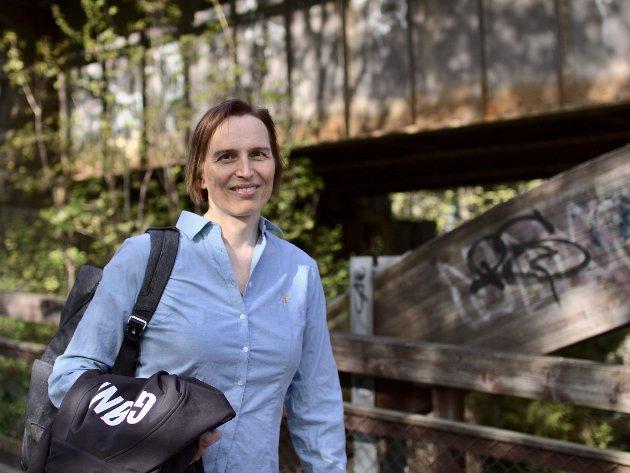 Symbolpolitikken er det FrP som står for, sier Karina Ødegård, stortingskandidat i Oppland for MDG.